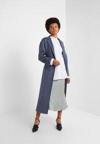 Filippa K - FRANCI SHIRT - Skjorte - frosty white - 1