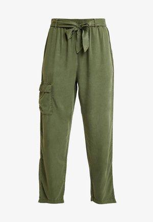ROSANNA PANTS - Kalhoty - lichen green