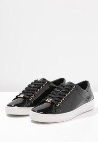 MICHAEL Michael Kors - KEATON KILTIE - Sneaker low - black - 7
