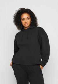 Pieces Curve - PCCHILLI HOODIE - Sweatshirt - black - 0