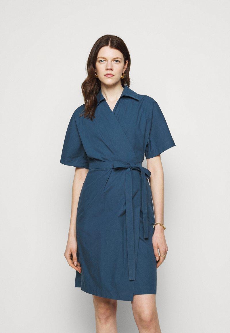 WEEKEND MaxMara - AUSTIN - Sukienka letnia - chinablau
