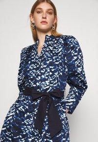 Diane von Furstenberg - DIANA DRESS - Shirt dress - blue - 4