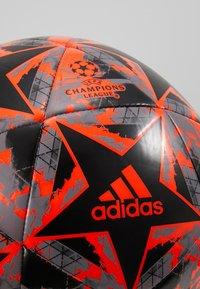 adidas Performance - FINALE - Fodbolde - black/solar red/grey heather - 3