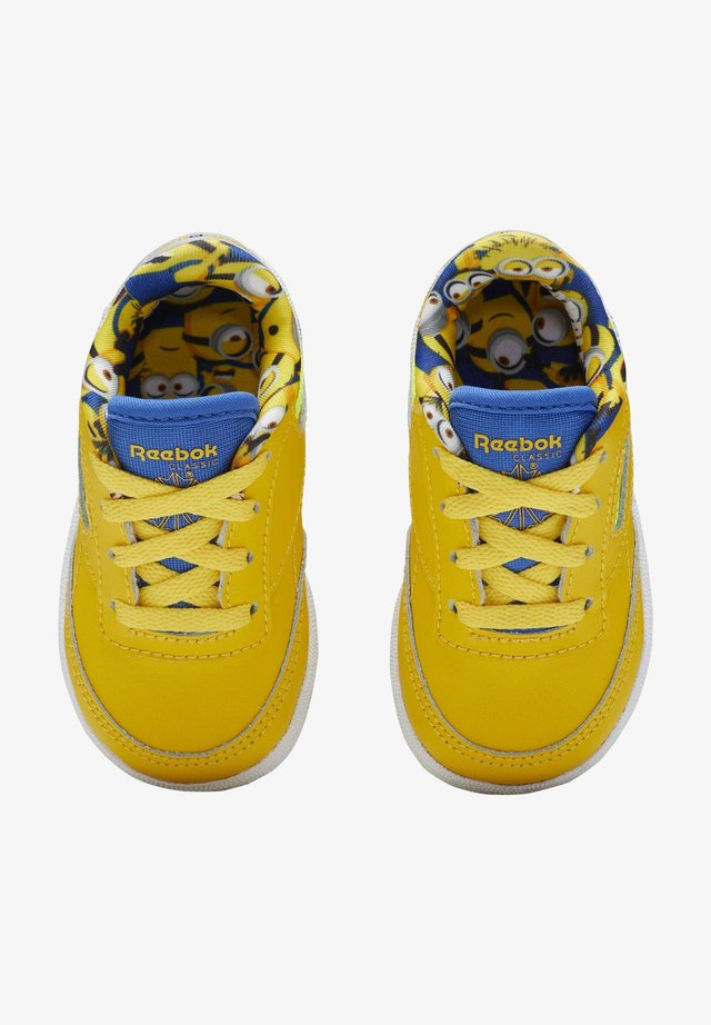 CLUB C 85 SHOES - Baskets basses - yellow