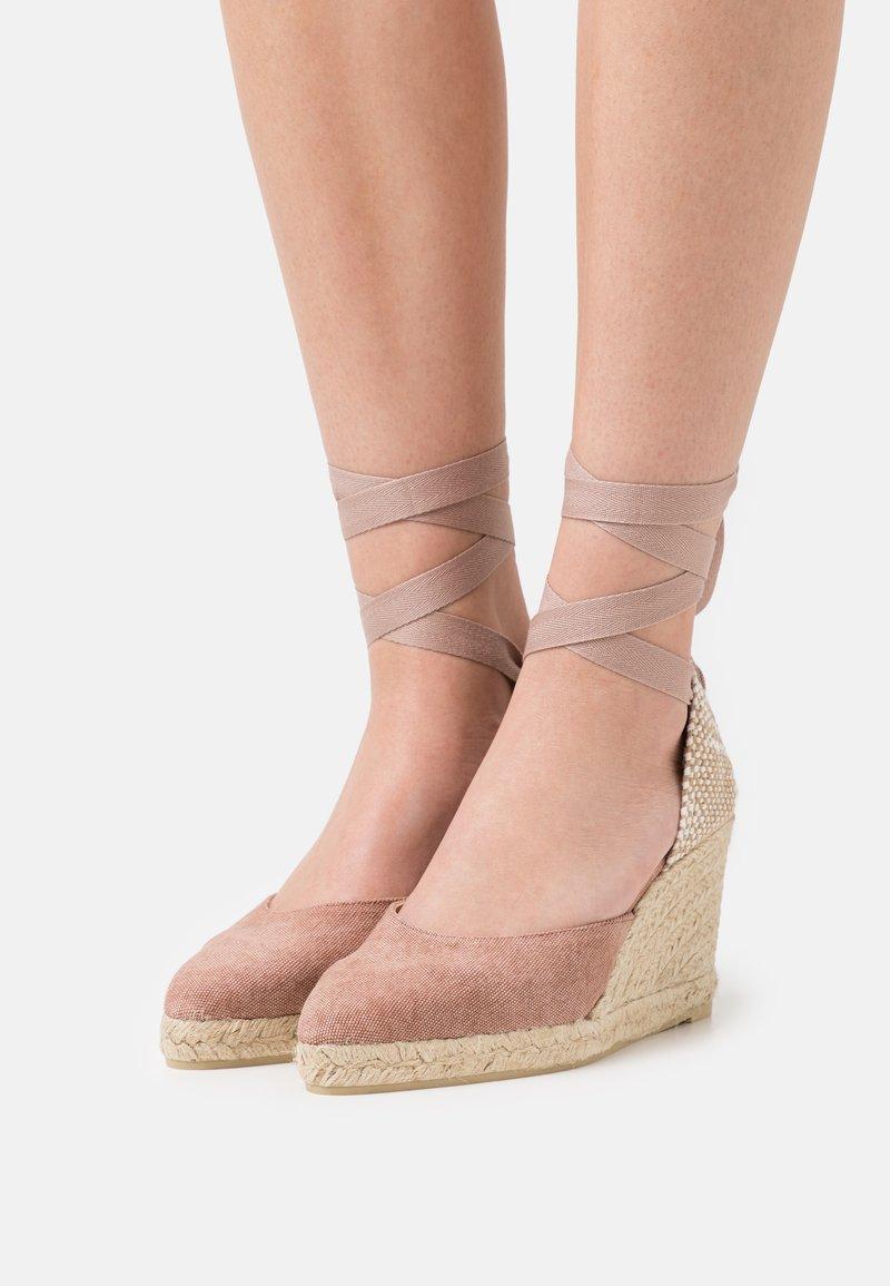 Castañer - JOYCE - Sandály na platformě - dusty pink
