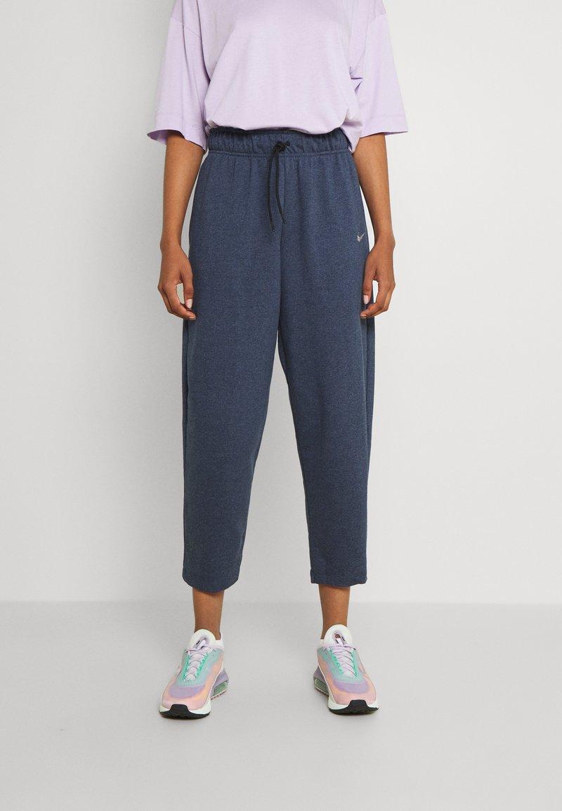 Nike Sportswear - Pantalones deportivos - deep royal blue