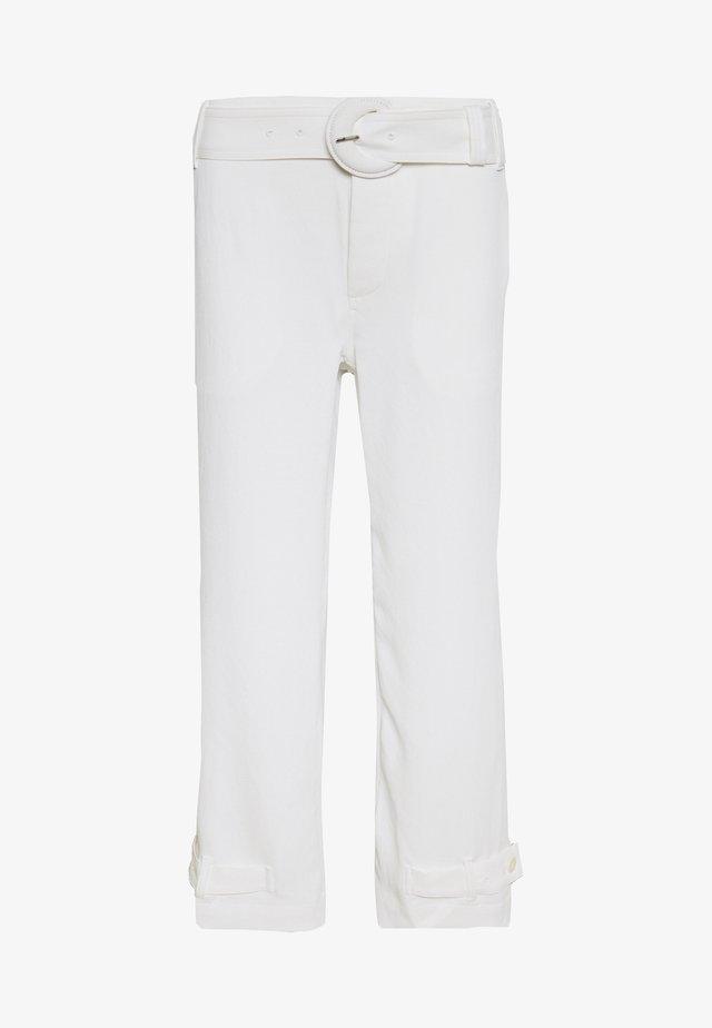 RUMPLED BELTED PANT - Pantalon classique - off white