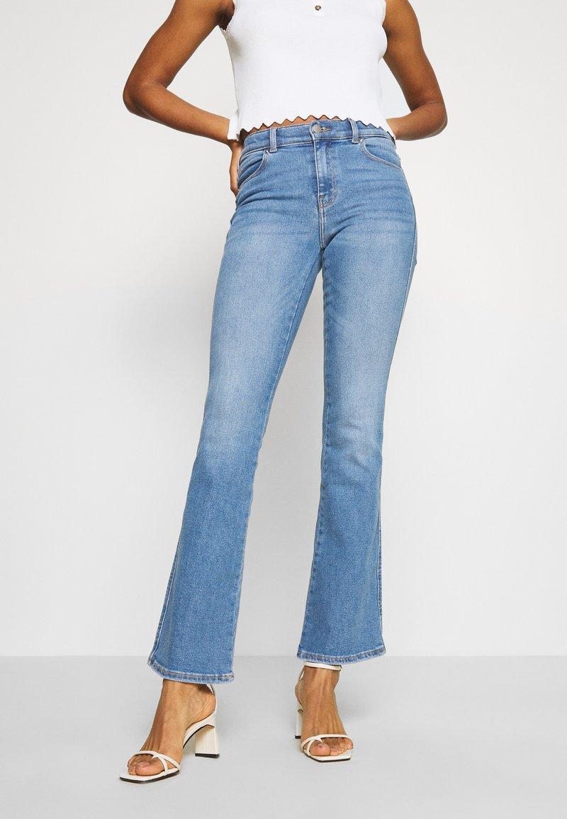 Dr.Denim - SONIQ - Flared Jeans - westcoast light blue