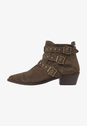 PIPPER - Cowboy/biker ankle boot - dark taupe