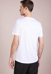 Tiger of Sweden - LEGACY - Basic T-shirt - bright white - 2