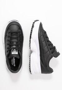 adidas Originals - KIELLOR - Sneakersy niskie - core black/footwear white - 3