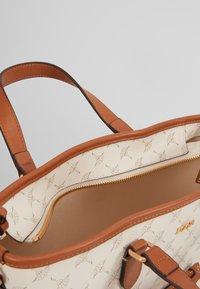 JOOP! - CORTINA KETTY  - Handbag - offwhite - 3