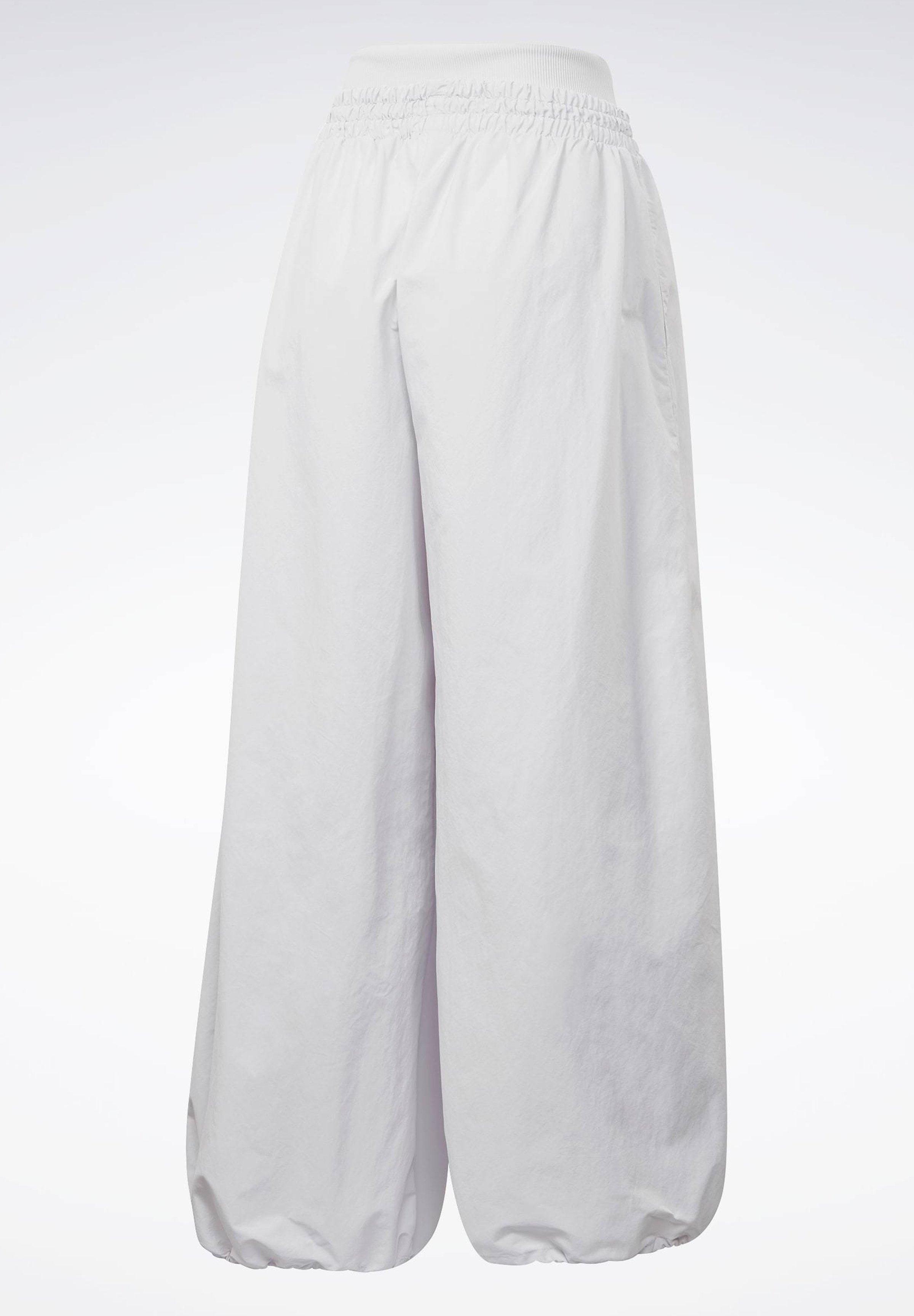 Reebok WIDE LEG WOVEN TRACKSUIT BOTTOMS - Tracksuit bottoms - white 5mqnn