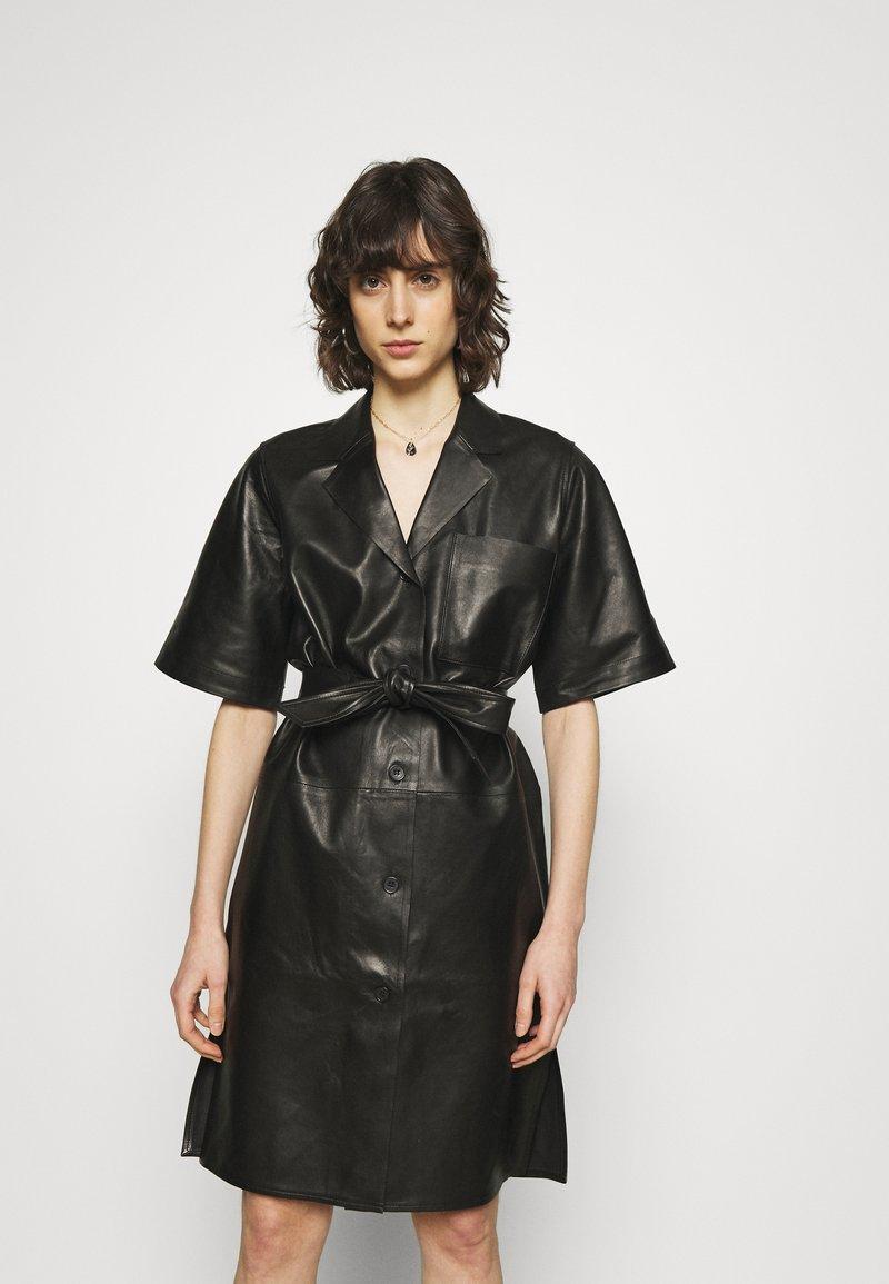 ARKET - Skjortekjole - black