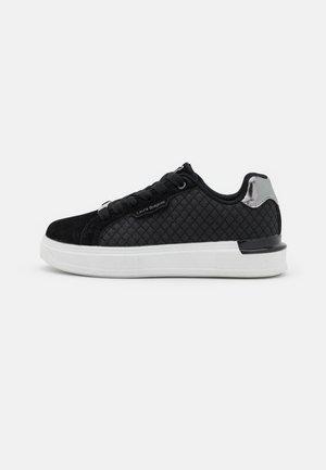 Sneakers laag - massif black
