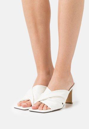 ELLEN HEEL - Heeled mules - white
