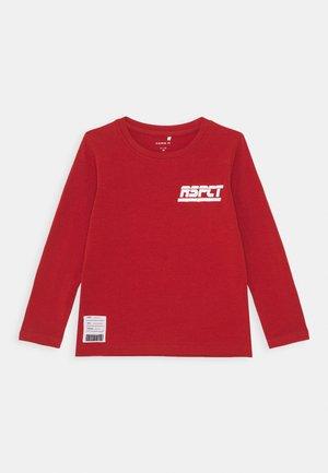 NMMBASTI - Langærmede T-shirts - ketchup