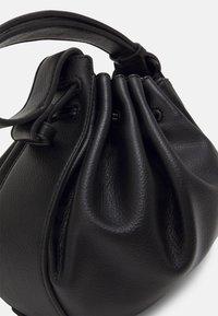 Who What Wear - FRAN - Handbag - black grainy - 3
