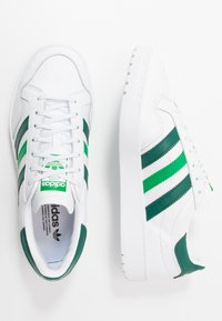 adidas Originals - TEAM COURT - Trainers - footwear white/collegiate green/green - 1