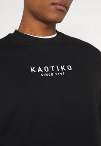 Kaotiko - UNISEX CREW WALKER - Sweatshirt - black - 5