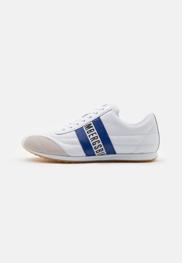 BARTHEL - Matalavartiset tennarit - white/bluette