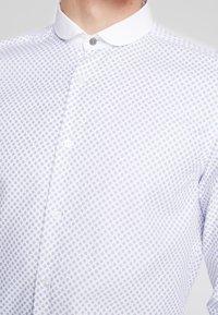 Shelby & Sons - FOWLEY SHIRT - Shirt - white - 4