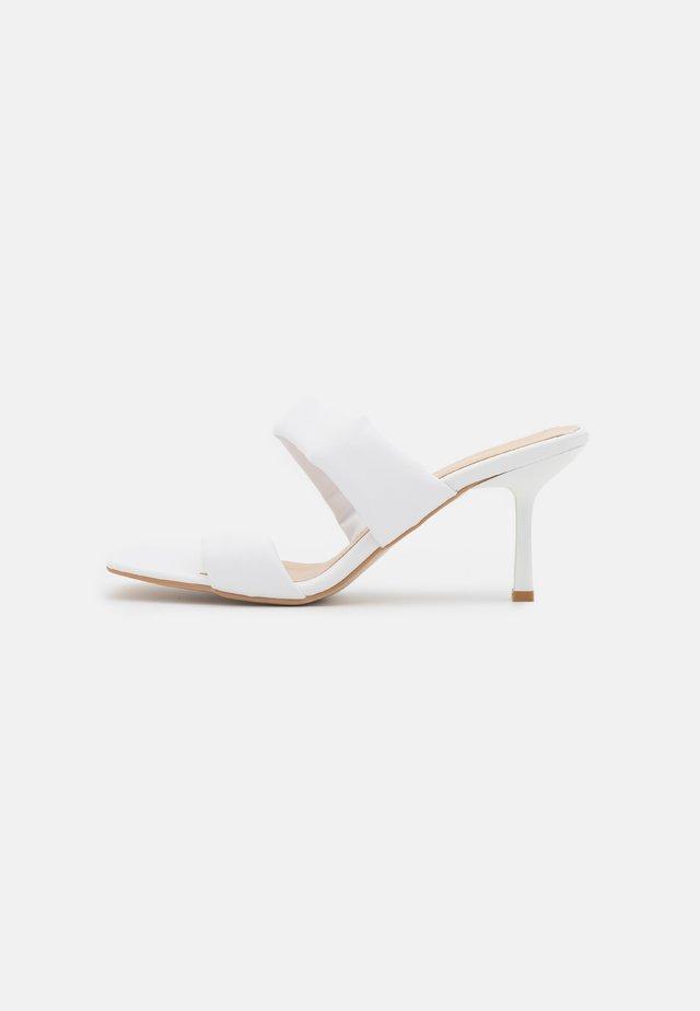 BEYAZ - Slip-ins med klack - white