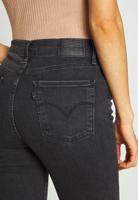 Levi's® - 720 HIRISE SUPER SKINNY - Jeansy Skinny Fit - smoked out - 5