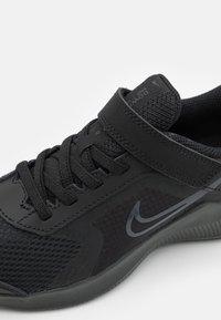 Nike Performance - DOWNSHIFTER 11 UNISEX - Neutral running shoes - black/dark smoke grey - 5
