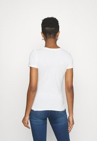 Pepe Jeans - Basic T-shirt - off white - 2