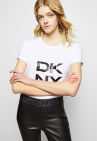 DKNY - PULL ON  - Leggings - Trousers - black - 3