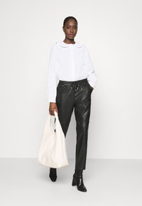 Carin Wester - BLOUSE - Blouse - white - 1