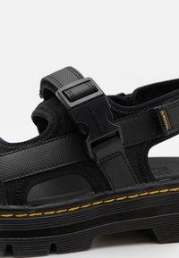 Dr. Martens - FORSTER UNISREX - Walking sandals - black - 5