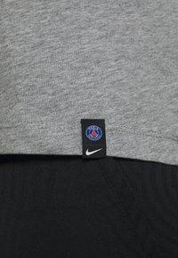 Nike Performance - PARIS ST GERMAIN TEE GROUND - Club wear - dark grey heather - 6