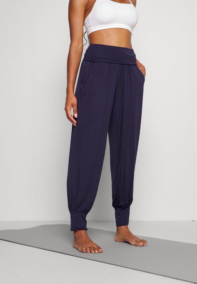 HAREM PANTS - Teplákové kalhoty - blue night