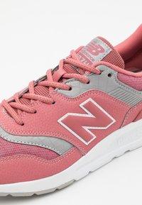 New Balance - 997 - Zapatillas - pink - 5