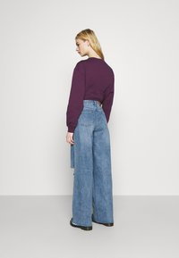 Missguided - KNEE  RIP BAGGY BOYFRIEND - Relaxed fit jeans - blue - 2