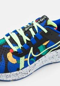 Nike Performance - AIR ZOOM PEGASUS 38 KA UNISEX - Zapatillas de running neutras - grain/racer blue/black/glacier blue/lime glow/obsidian - 5