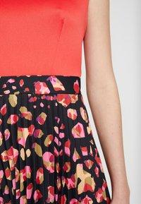 Closet - PLEATED SKIRT DRESS - Vestito elegante - red - 7