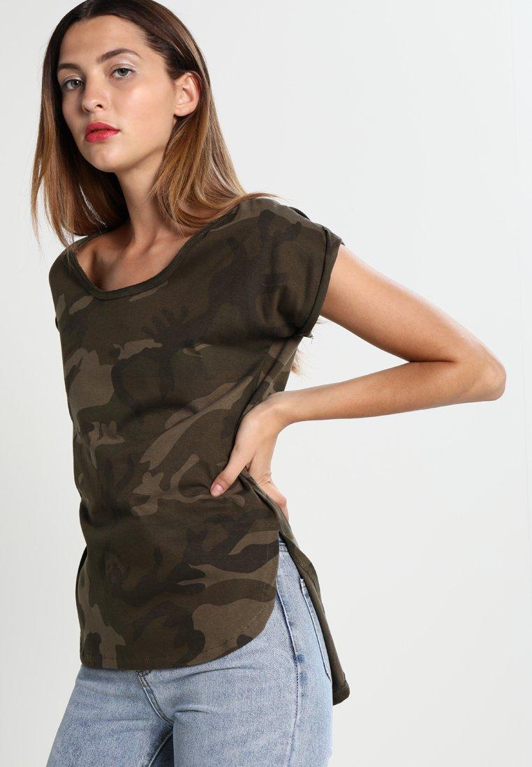 Urban Classics - CAMO  - Print T-shirt - olive