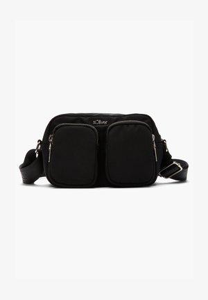 MIT WORDING-DETAIL - Across body bag - black