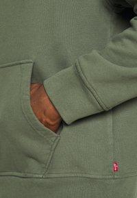 Levi's® - RELAXED GRAPHIC  - Felpa con cappuccio - thyme - 5