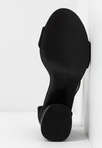 Miss Selfridge Wide Fit - WIDE FIT BLOCK HEEL BARELY THERE - Sandals - black - 6