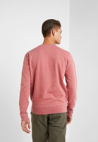 Outerknown - STOWAWAY CREW - Sweatshirt - mineral red - 2
