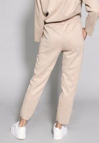 Riquai Clothing - Trousers - beige - 2