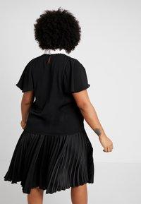 Fashion Union Plus - FASHION UNION COLLARED BLOUSE - Blůza - black - 2