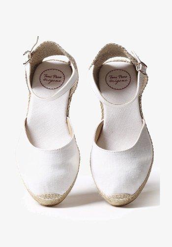 CALDES - Espadrilles - white