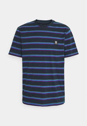 BRADLEY - Camiseta estampada - eclipse navy