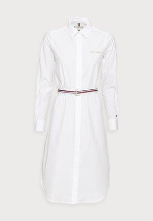 BELTED MIDI SHIRT DRESS - Košilové šaty - white