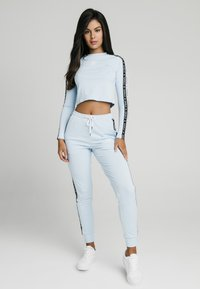 SIKSILK - SKY TAPE CROP TEE - Long sleeved top - light blue - 1